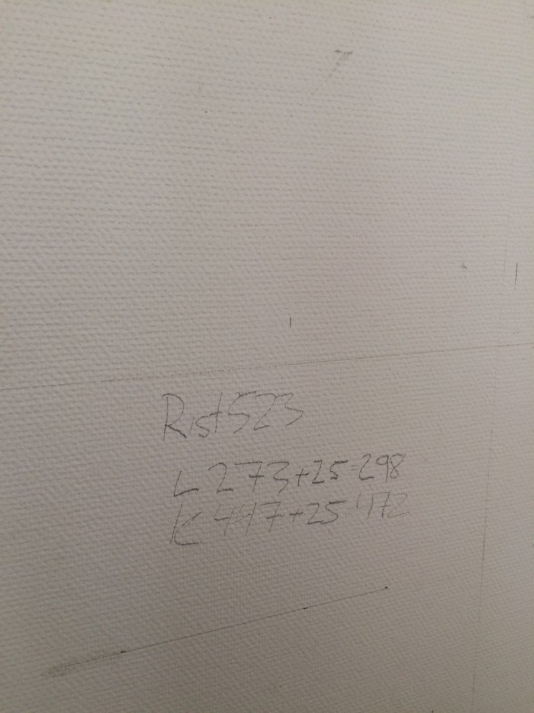 Kun paikka on löytynyt suoritetaan tarkat laskelmat. Tällä kertaa luukun kokoinen reikä ei riitä, koska seinän paksuus vaatii seinäkerrosten väliin tehtävän tunnelin.